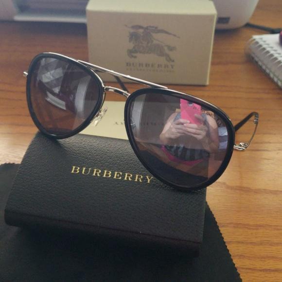 b400863f7b04 Burberry Accessories   Sunglasses Spark   Poshmark